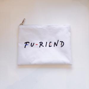 FU-RIEND ロゴフラットポーチ